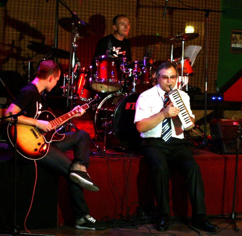 One Man Band +1 13